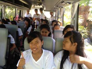 Anggota Eco Club di dalam Bus